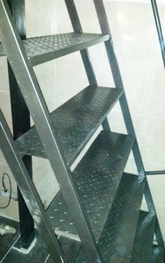 Как сделать лестницу из металла в погреб своими руками 24